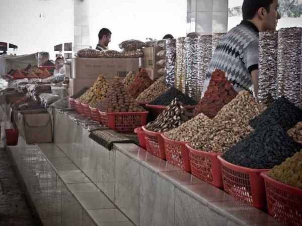Samarcanda e il mercato. Commercio al femminile