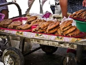 Samarcanda-mercato-pesce-fritto