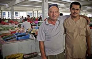 Samarcanda-mercato-venditori