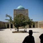 bukhara-moschea-khalon-cortile