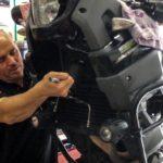 preparazione-giro-del-mondo-in-moto-forcella