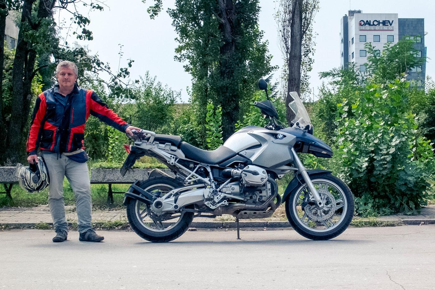 balcani-in-moto-uomo-mezzo-michele