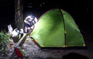 balcani-in-moto-tenda-notte-croazia