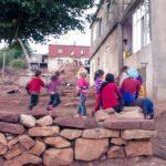 popolo curdo bambini villaggio