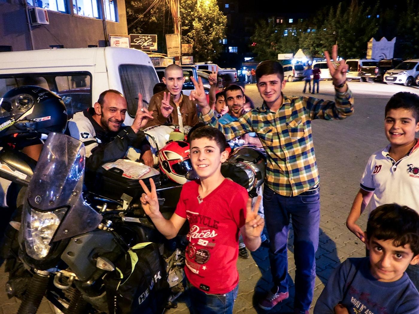 popolo curdo ragazzi vittoria