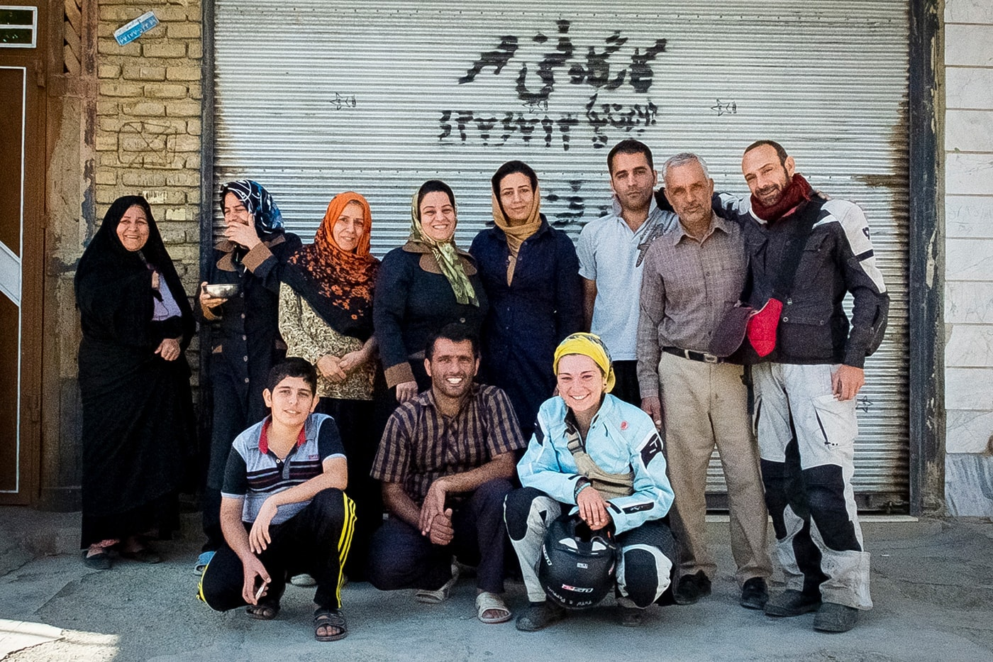 ospitalita iraniana gruppo famiglia