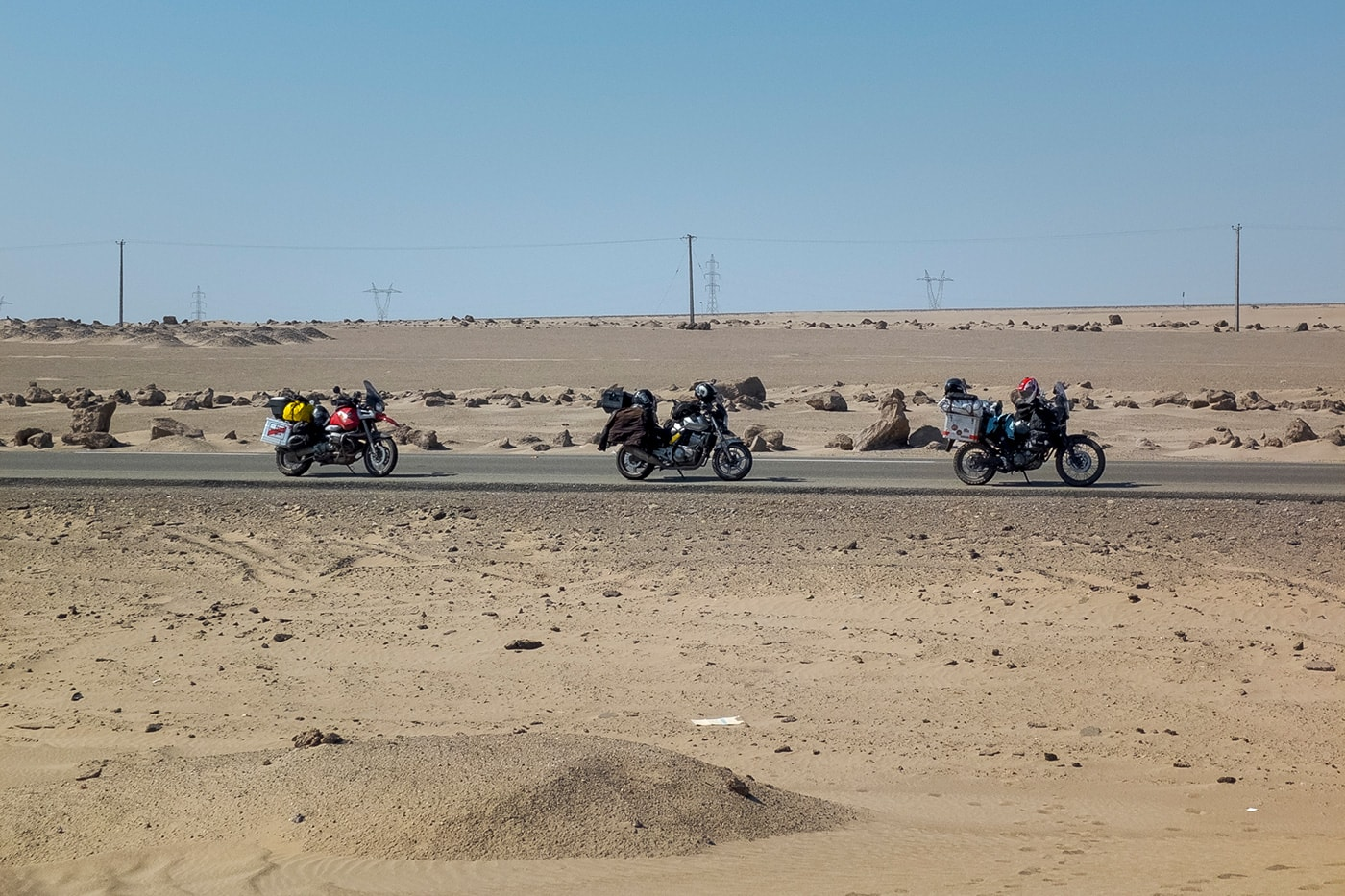 pakistan border crossing moto nel deserto