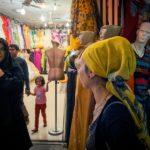 problemi in iran velo donna occidentale