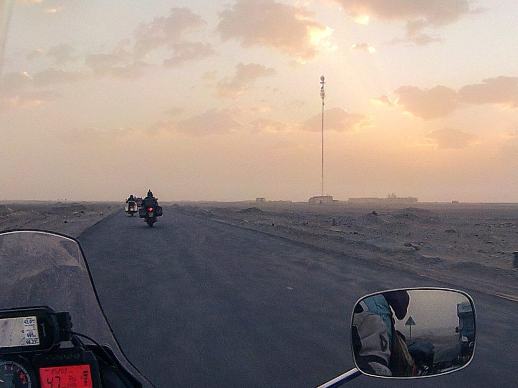 welcome-to-pakistan-alba-deserto-villaggio
