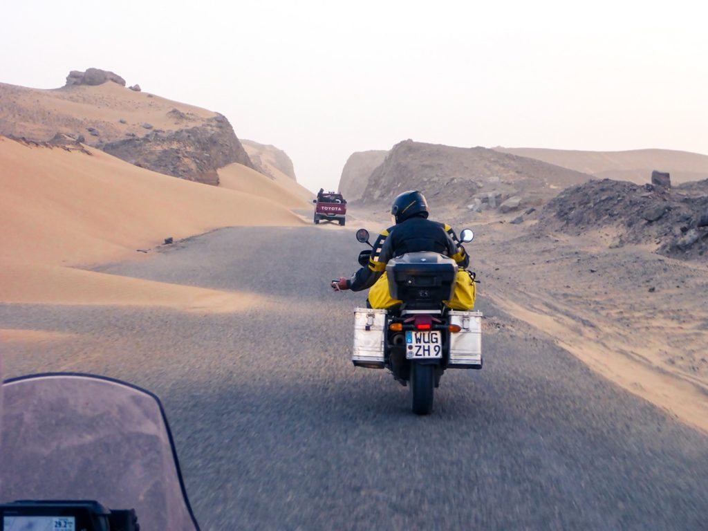 welcome to pakistan deserto dune moto