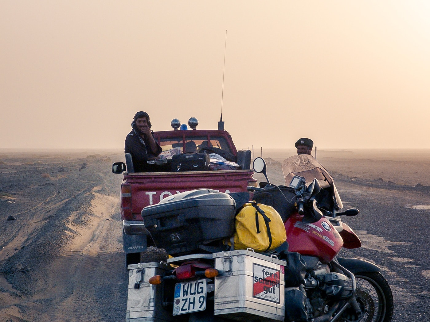 welcome to pakistan scorta deserto