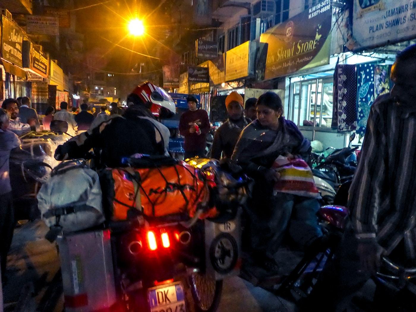 viaggio in india traffico