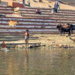 cultura indiana varanasi gange lavaggio