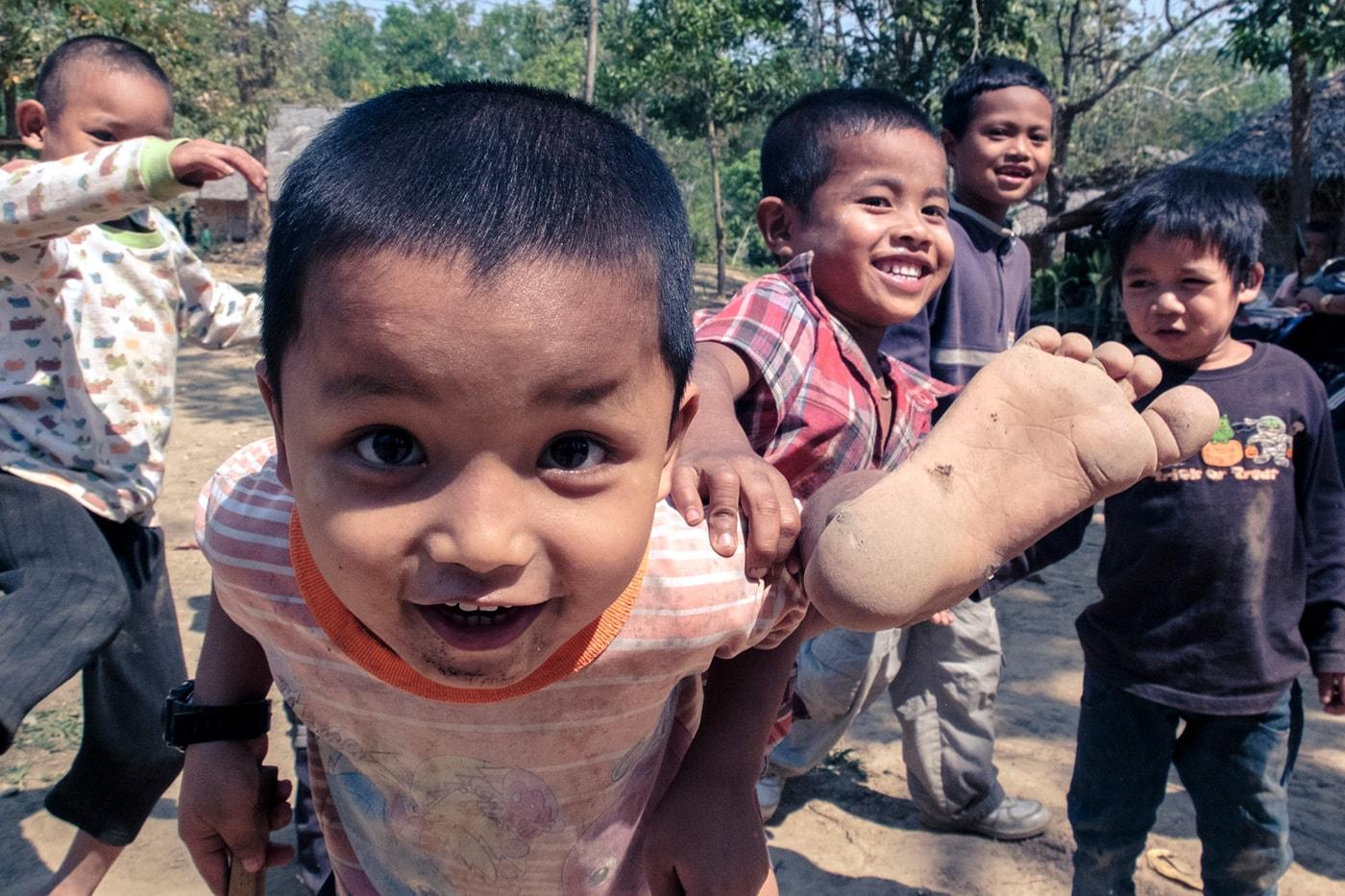 rifugiati birmani bambini festa