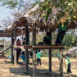 rifugiati birmani gioco scuola