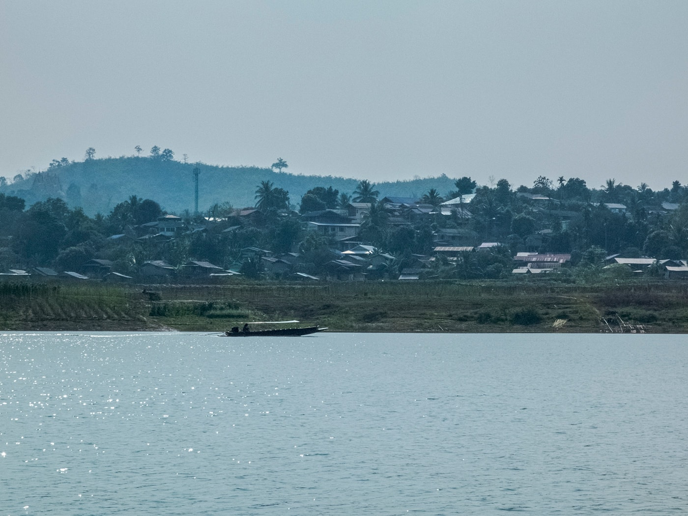 rifugiati birmani sangkhlaburi lago villaggio