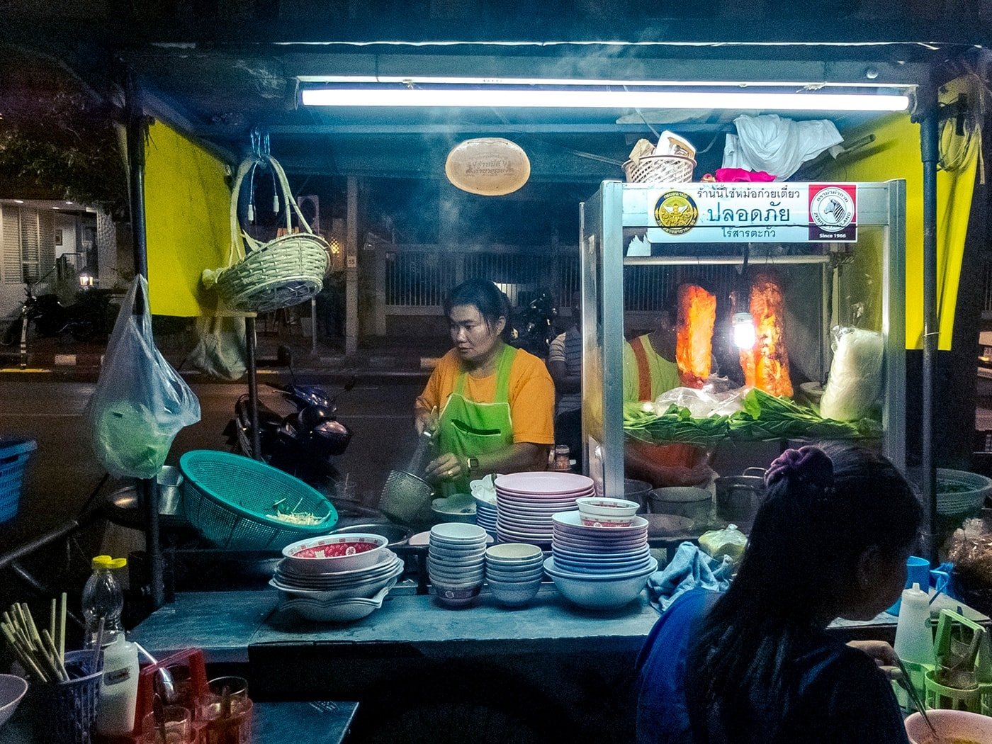 thailandia in moto bangkok street food