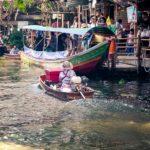 thailandia in moto mercato galleggiante bangkok