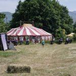 viaggio in moto tenda circo