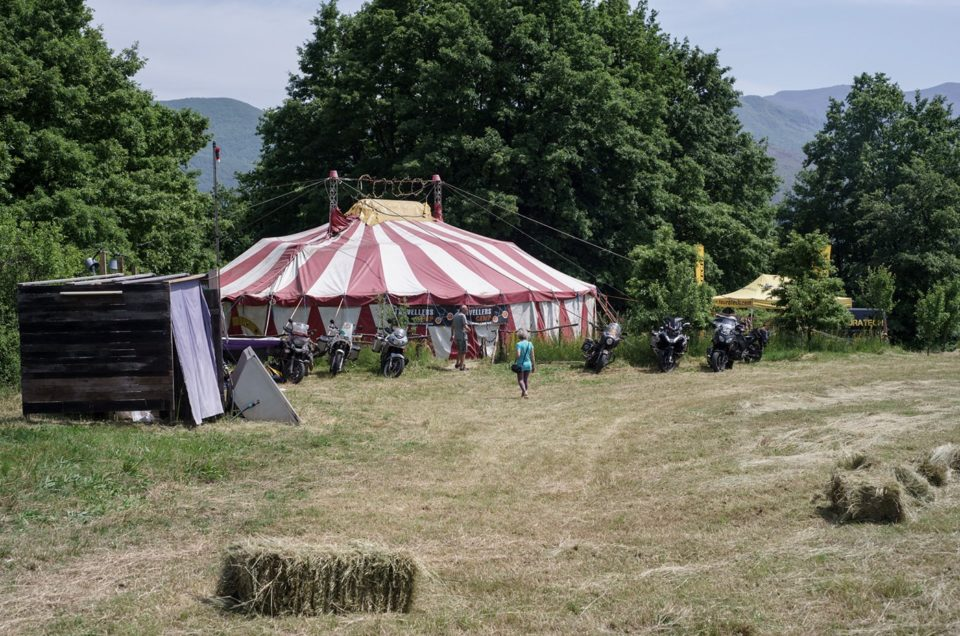 viaggio in moto travellers camp 2016 tenda circo
