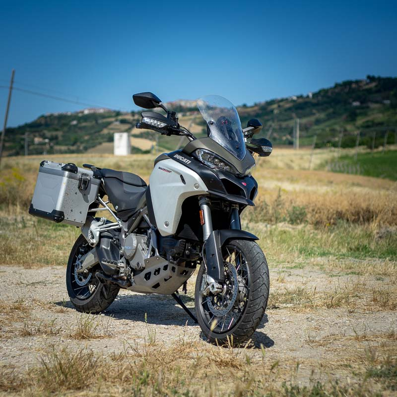 multistrada-1200-enduro-test-vista-fronte